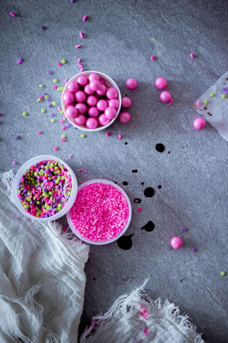 splash effect pink cake