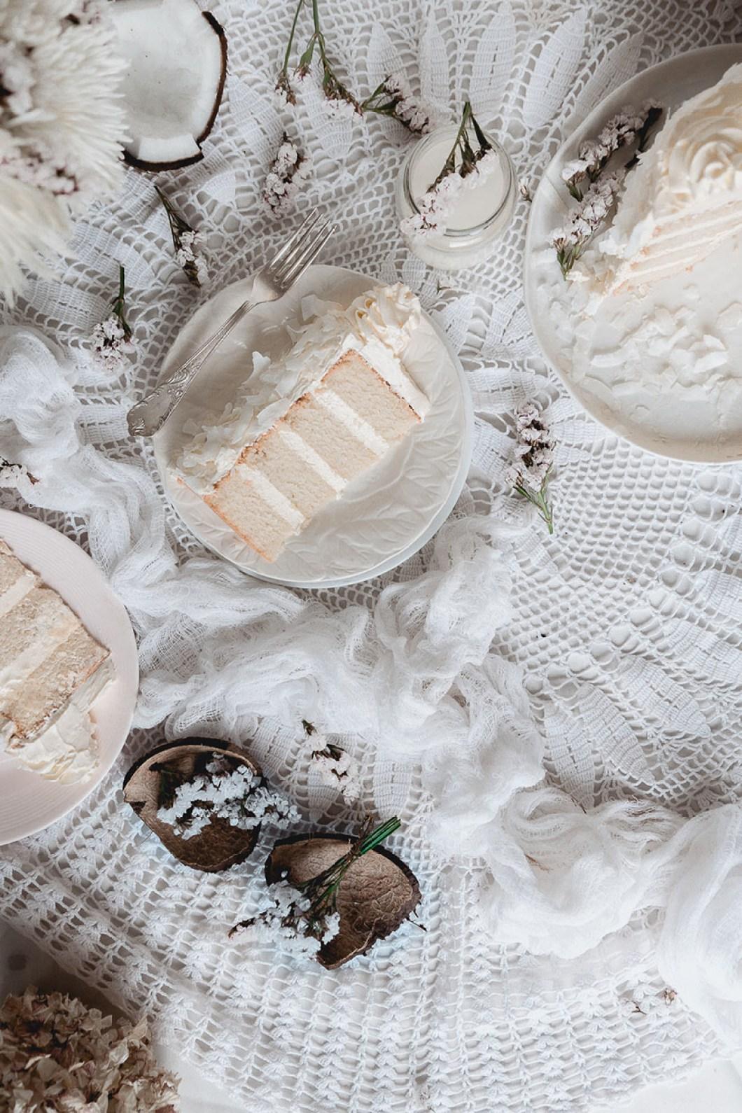 white_coconut_cake_-7543