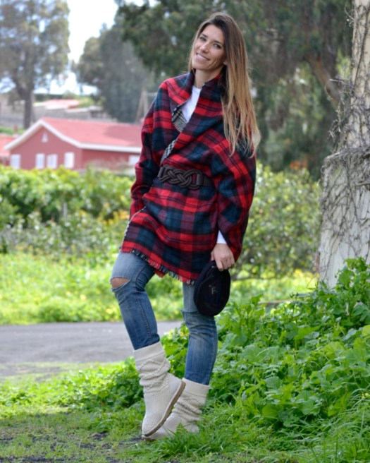 atacadas-outfit-tartan-scarf-ugg-boots