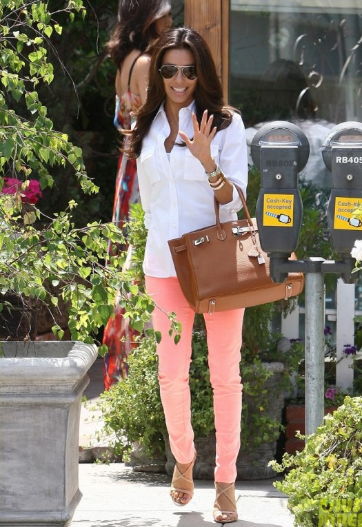 Eva Longoria Makes a Trip to the Beauty Salon