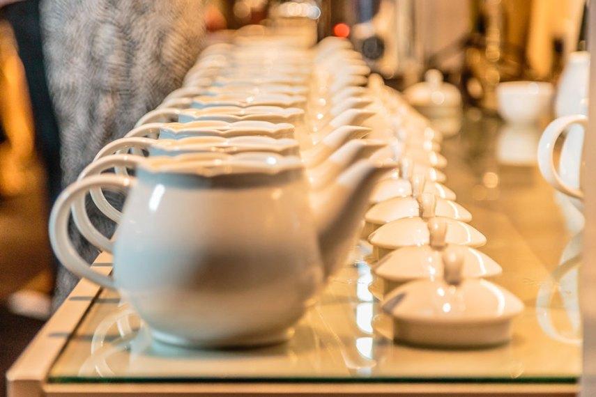 Teteras y tazas de té