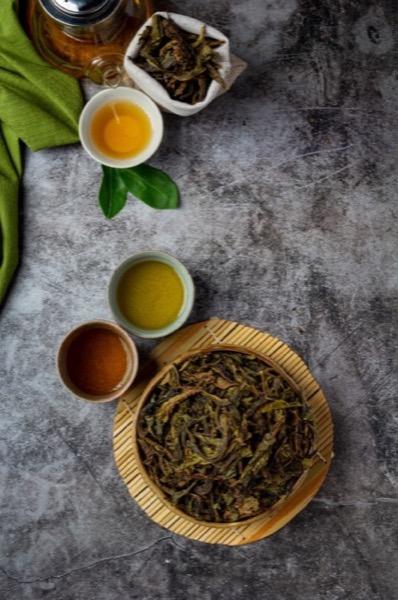 erros para preparar chá: ervas e água