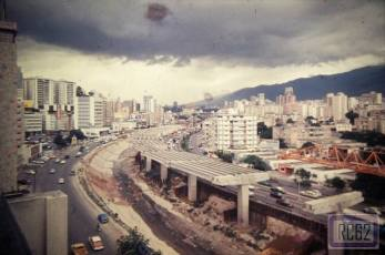 Construcción del segundo piso de la autopista Francisco Fajardo