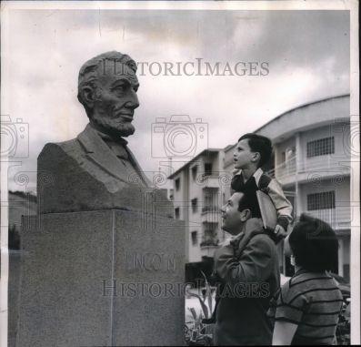 Plaza Lincoln. Busto