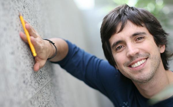 Jesús Alzamora alista libro de relatos para adolescentes