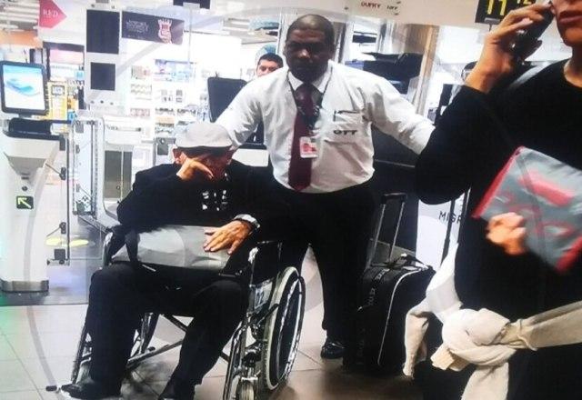 Alejandro Álvarez Pedroza fue fotografiado esta mañana en el Aeropuerto Jorge Chávez. (Imagen: RPP)