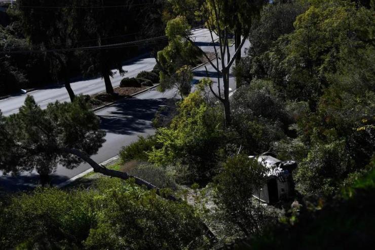 Tiger Woods se sometió a una cirugía por lesiones graves en las piernas después de caer solo en su automóvil el martes por la mañana en una autopista cerca de Los Ángeles, California.  (Foto: AFP)
