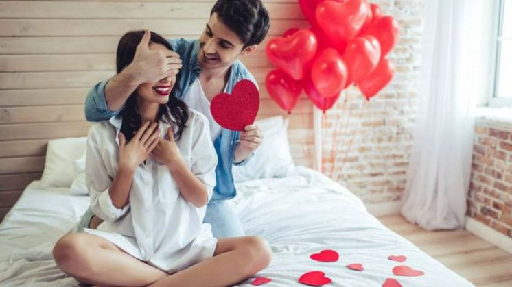 El 14 de febrero es San Valentín, el día de los enamorados. Una celebración tradicional de los países anglosajones que se ha ido implantando en otros países a lo largo del siglo XX (Foto: Freepik)
