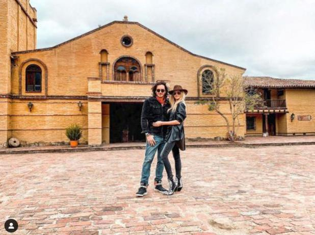 "Mario Cimarro visited El Pórtico, where the telenovela was filmed. ""Hawks Passion"" (Photo: Instagram)"
