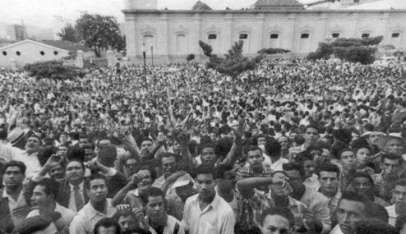 Venezolanos celebran el fin de la dictadura de Pérez Jiménez. TeleSUR