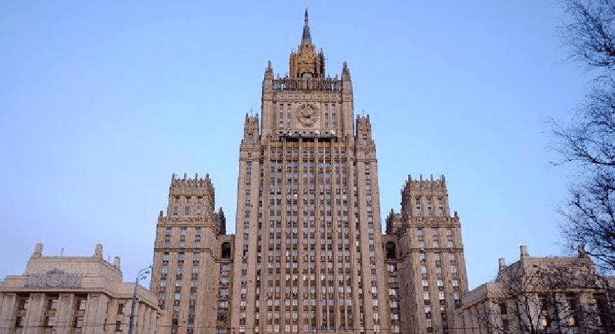 Rusia anuncia suspensión total de nexos con la OTAN