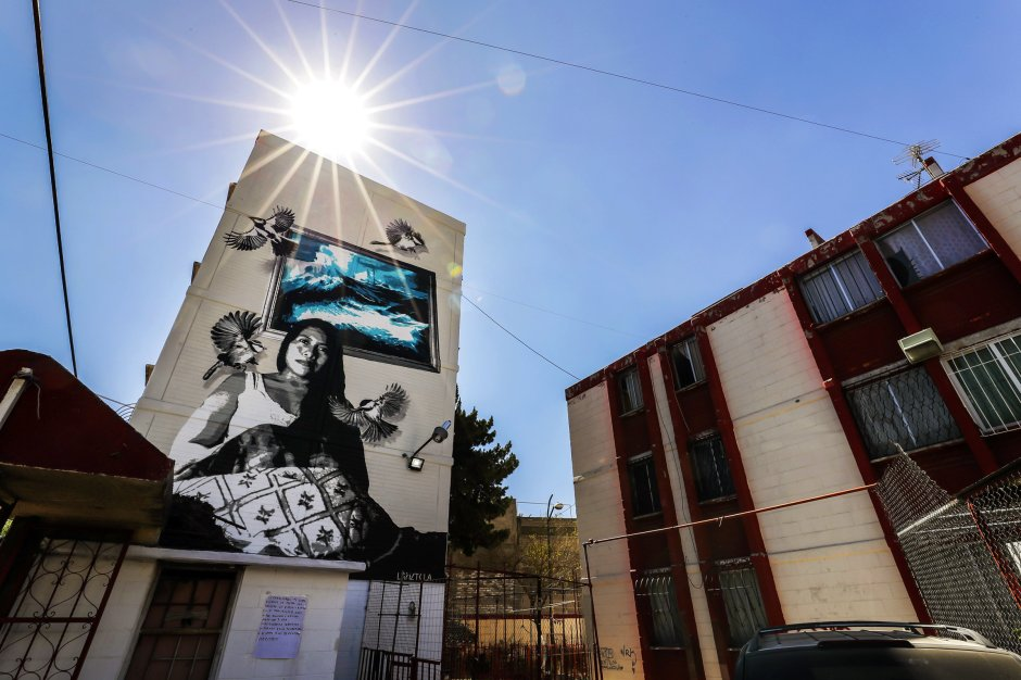 El mural con el retrato de Yalitza Aparicio