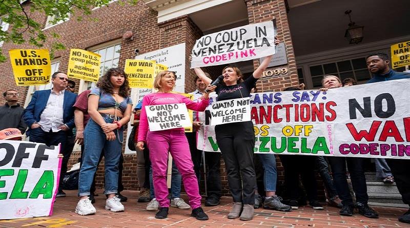 Activistas continúan lucha para proteger Embajada de Venezuela en Washington