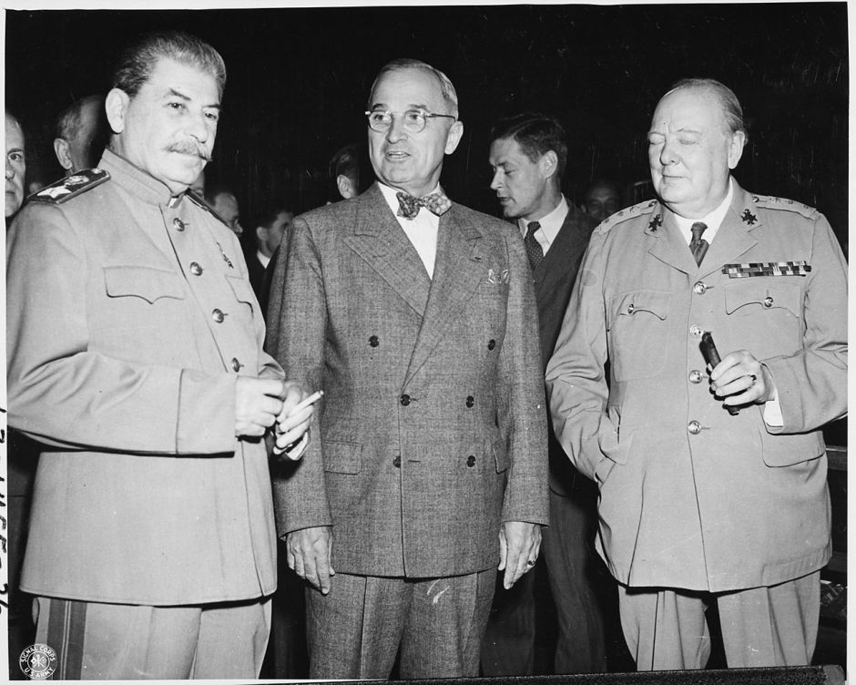 1280px-soviet_prime_minister_josef_stalin_president_harry_s_truman_and_british_prime_minister_winston_churchill_pose_for_-_nara_-_1987