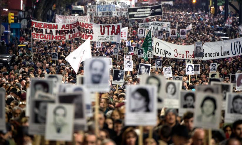 Marcha del Silencio para recordar las víctimas de la dictadura (1973-1985) en Uruguay, mayo de 2017.