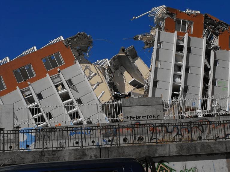 Otra vista del edificio Alto Rio, afectado por el terremoto