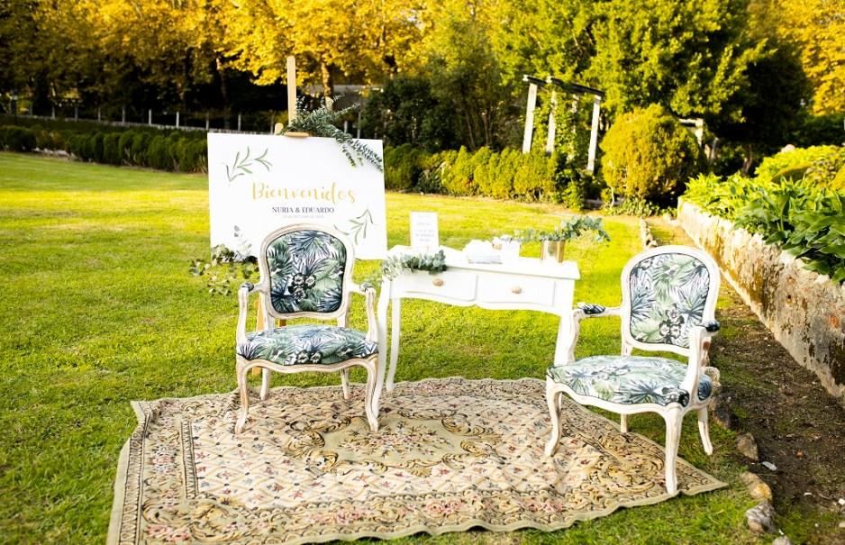 Rincón de bienvenida - Una boda con plumeros
