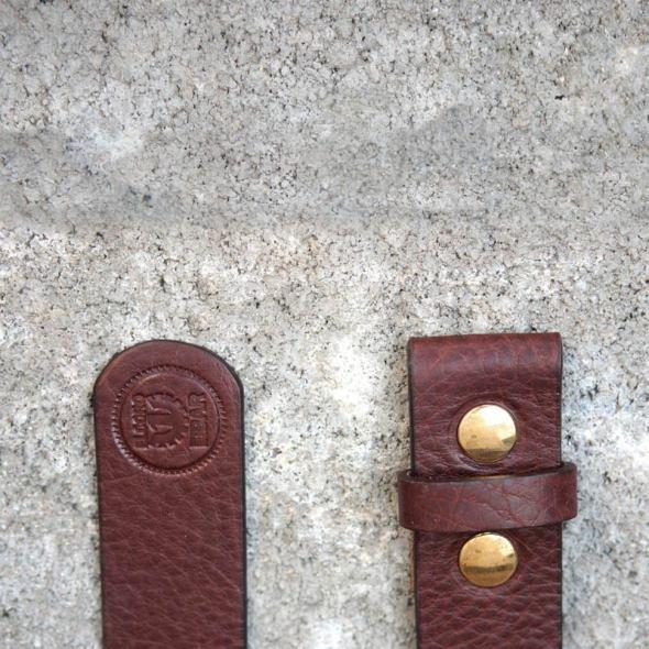 Correa para pantalón_de color marrón