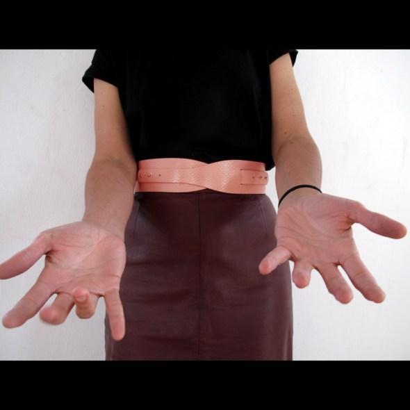 cinturones originales para vestidos LOTO serpiente salmon