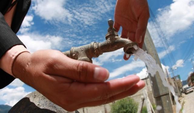 Por obras pluviales sobre la calle 31 faltará el agua este fin de semana en Los Hornos y La Plata