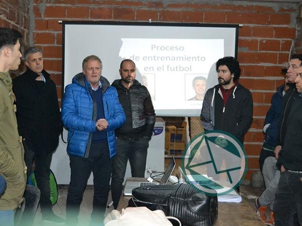 """Jornada """"Organización del Fútbol para las divisiones mayores y juveniles"""""""