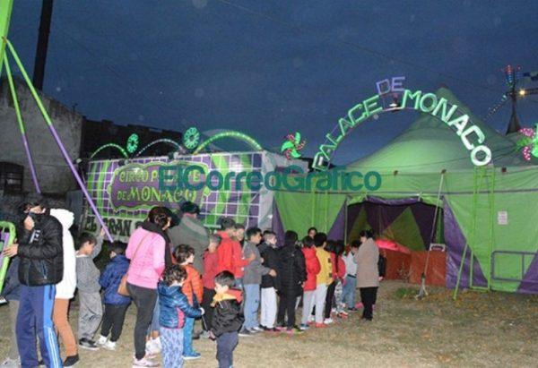400 chicos participaron de función del Circo Palace de Mónaco 4