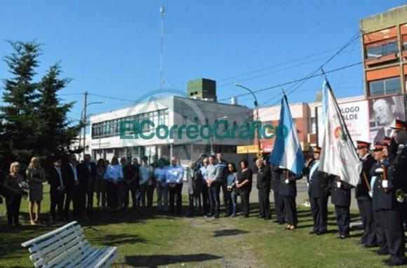 Homenaje del Rotary Club de Berisso a los Héroes de Malvinas 05