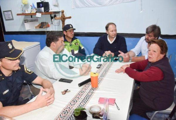 Nedela paseó por El Carmen junto a los comisarios locales 06