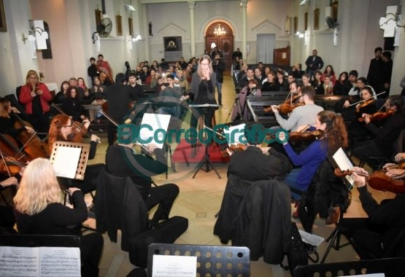 La Orquesta Sinfónica se presentó en los festejos católicos por María Auxiliadora 1