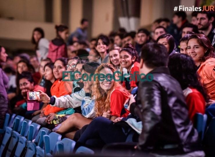 La gran fiesta de los Juegos Universitarios Regionales 01