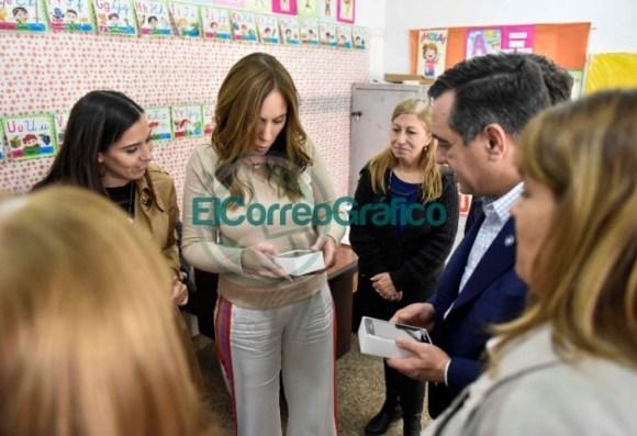 Vidal visitó una secundaria de La Mantaza por ser el establecimiento 5000 en conectividad 04