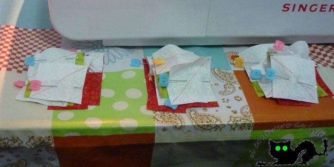 Preparamos las telas con los alfileres