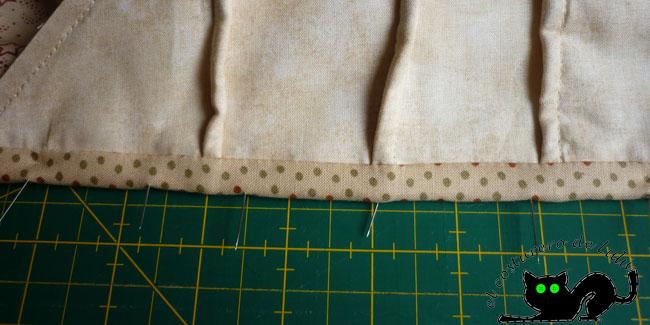 Nos aseguramos de que esté todo bien por el lado contrario antes de coser