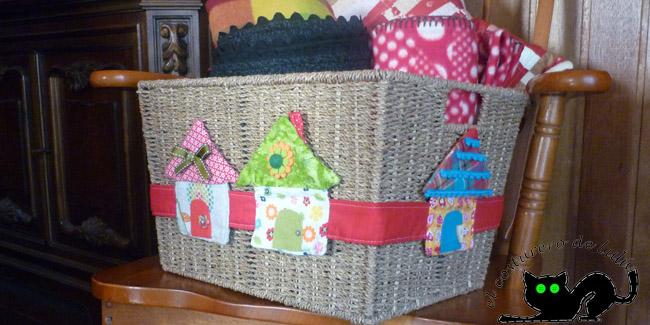Nuestra cesta decorada con las casitas