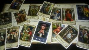 El mejor motivo para comprar este juego: las ilustraciones de las cartas.