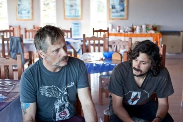 """Foto: Lisandro Alonso y Viggo Mortensen en """"Jauja"""""""