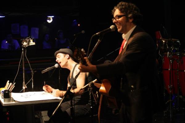 Kevin Johansen y Liniers en Arg.