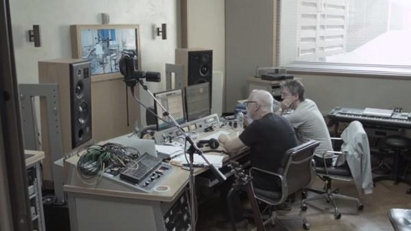 david-gilmour-in-studio-on-endless-river-album