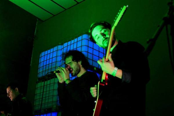 Dolphant fue la banda abridora. Foto: Mónica Gómez.