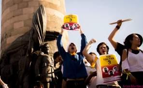 Manifestantes exigen aparición de estudiantes
