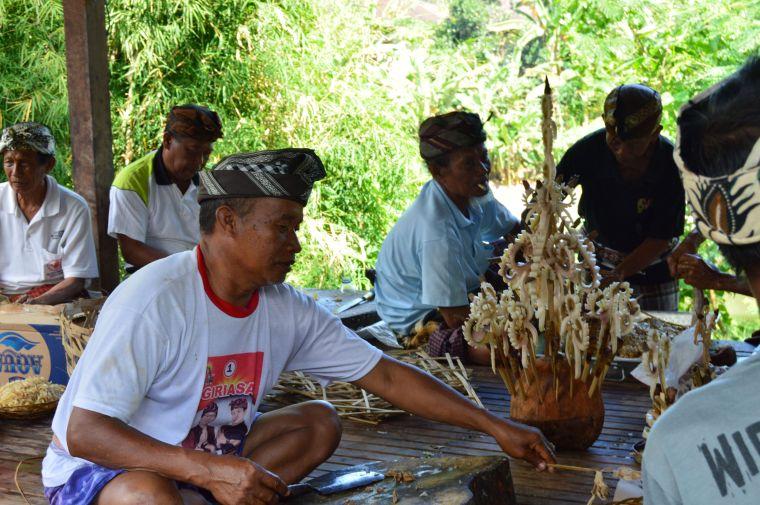 Bali: preparación de ceremonia