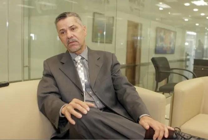 Manuel Jiménez denuncia miles de peledeístas residentes en San Luis cambian su dirección a Santo Domingo Este