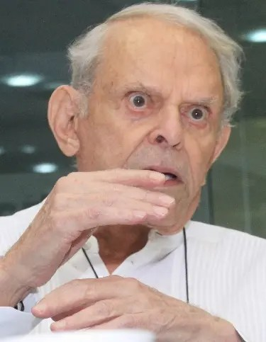 Dr. Joffre De La Fontaine invitado al coloquio semanal del periodico El Dia. Foto: Elieser Tapia.