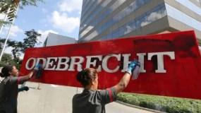 Las autoridades brasileñas comprobaron que Odebrecht y exclusivo grupo de empresas obtenían contratos amañados con Petrobras, inflaban los valores y repartían las diferencias entre directores de la petrolera estatal y partidos políticos que amparaban la práctica y legislaban a favor de estas empresas.