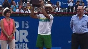 Víctor Estrella se  coronó por tercera vez consecutiva campeón del ATP 250 Ecuador Open. Foto cortesía de @Mike_Rivero