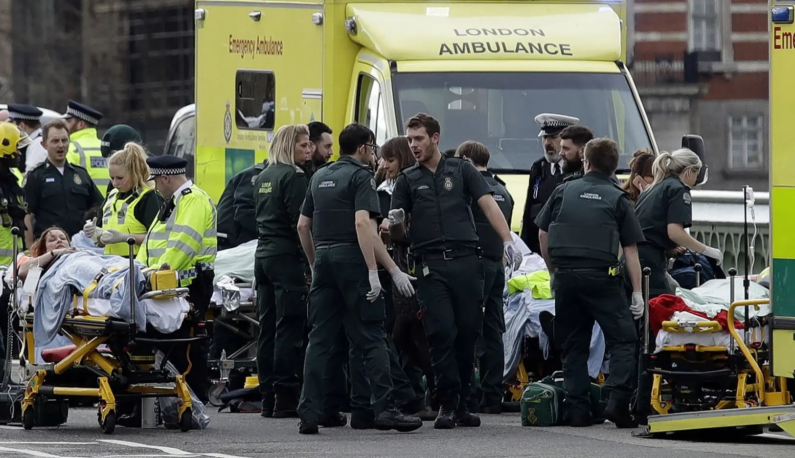 Alarma por tiroteo en Parlamento británico