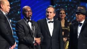 Jorge Ramos, Cuco Valoy, FRanklin Leñon Pamela Sued y Ramón Orlando al final de la premiación.