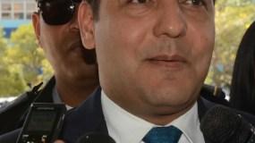 Abel Martínez habló con los periodistas al salir  de Procuraduría.