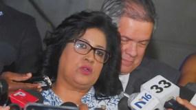 Cristina Lizardo ofrece declaraciones a la prensa a su salida de la Procuraduría.
