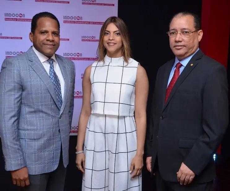 Andrés Jiménez, Rosanna Matos y Luis Sabater.